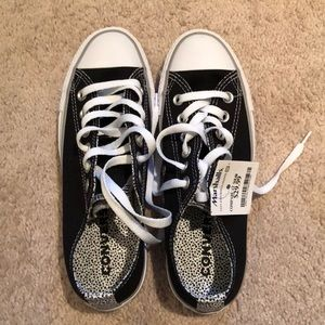 Marshall's NEW size 7 converse